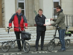 Cllr Clyde Loakes receives WFcycling Safer lorries certificate